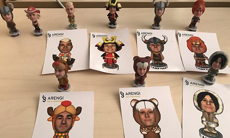 mini-figurine et photos