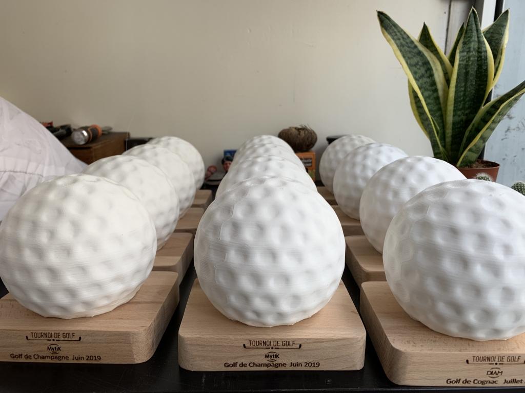 Trophée Golf Originaux et Personnalisés